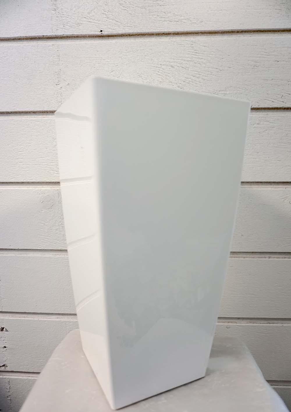 Plastkruka, vit, fyrkantig