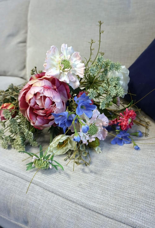 Bukett, trädgårdsdrömmar, konstgjord handbunden blandad bukett