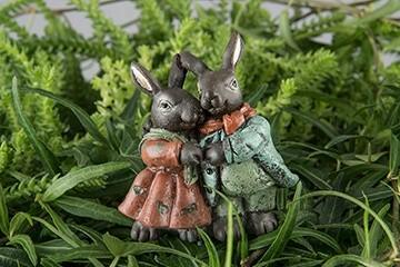 Hare, ett par på stick, dekoration