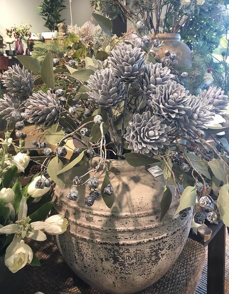 Stilig kvist, grå, konstgjord växt