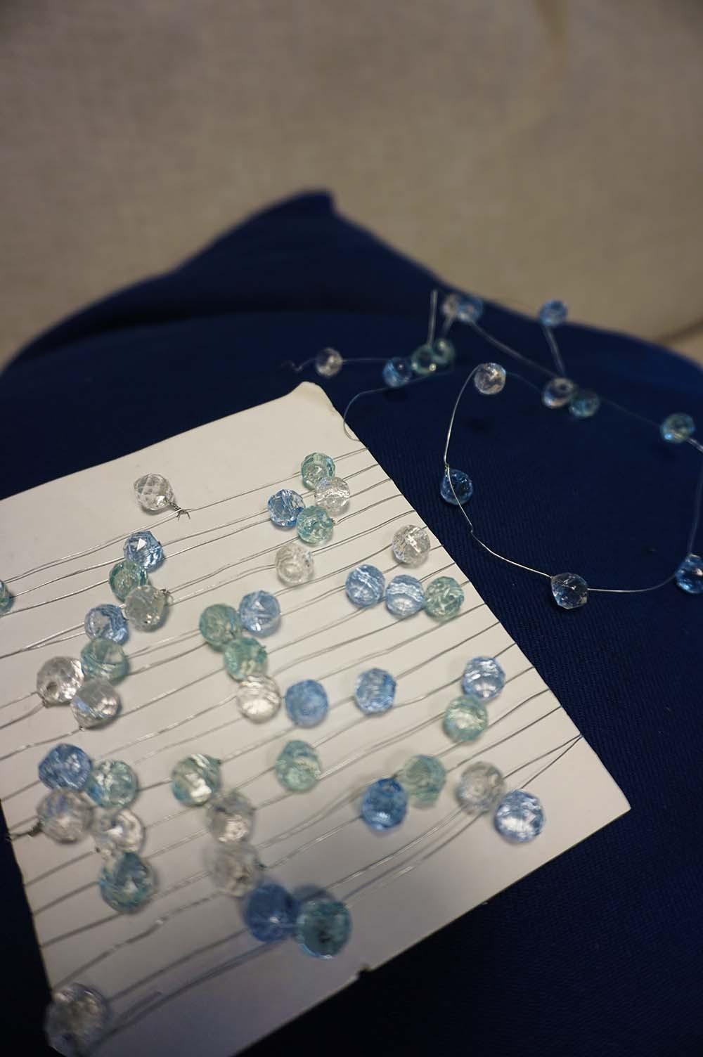 Pärltråd, kristall, turkos och ljusblå