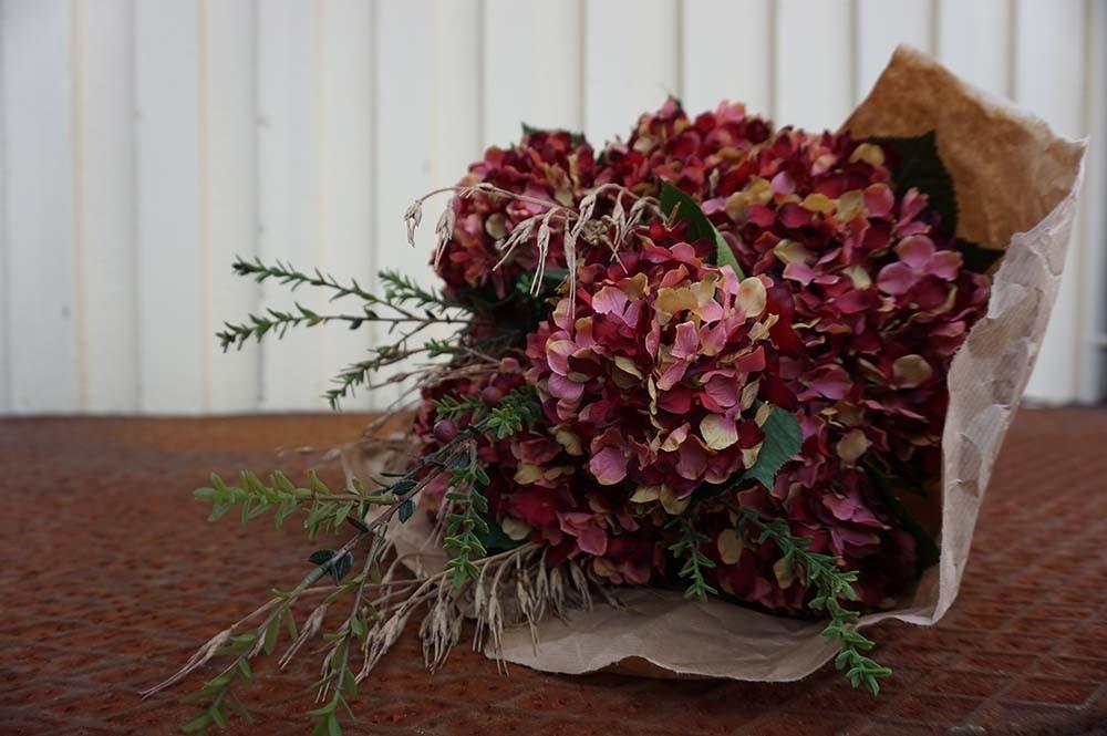 Sedum, plommonlila/vinröd konstgjord kvist
