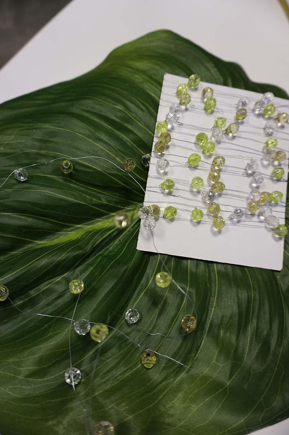 Pärltråd, kristall, lime och olivgrön